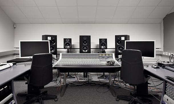 View into the Sound Studio B. Photo.